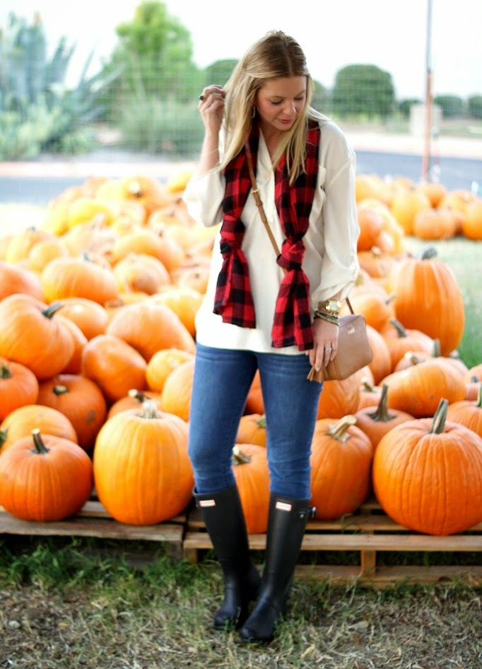 Pumpkin Patch Outfit Idea for Fall
