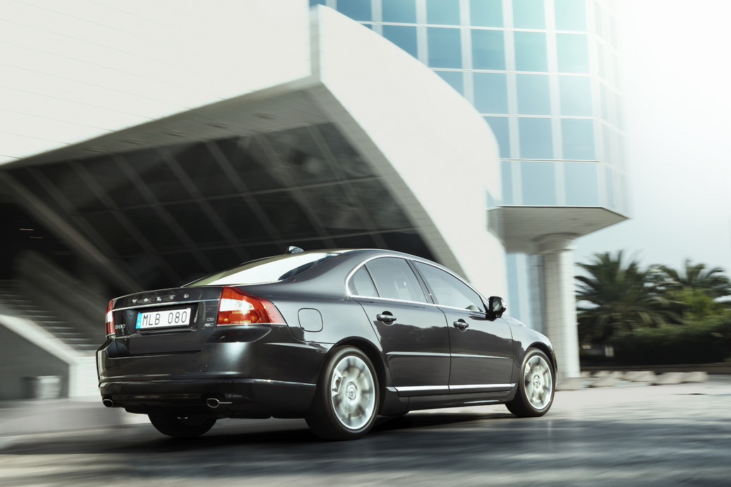 Automobiles company  Volvo S80 2011