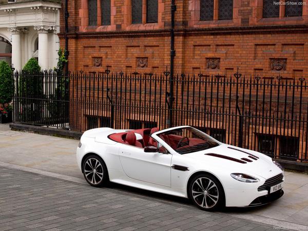 Aston Martin V12 Vantage Roadster 2