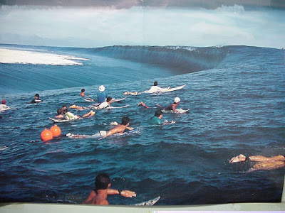 http://4.bp.blogspot.com/-RYHG5ji60Pw/TjfW7PyB6dI/AAAAAAAAAU8/DiY5nPbp-Mc/s1600/Tsunami+Surfing.jpg