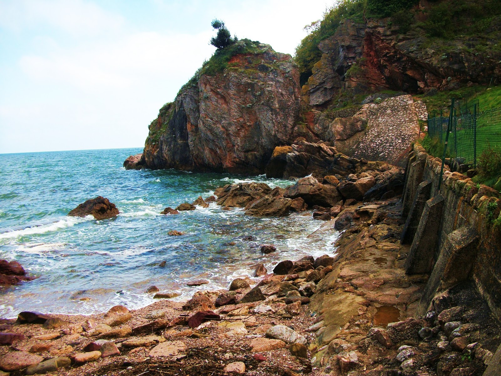 babbacombe bay sea cliffs