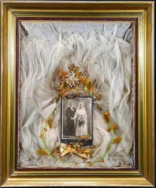 isnt this framed antique wedding veil stunning the photo of the original bride makes it even more special