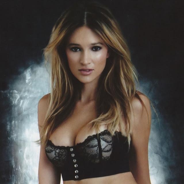 Kylie Bisutti Sexy Bikini