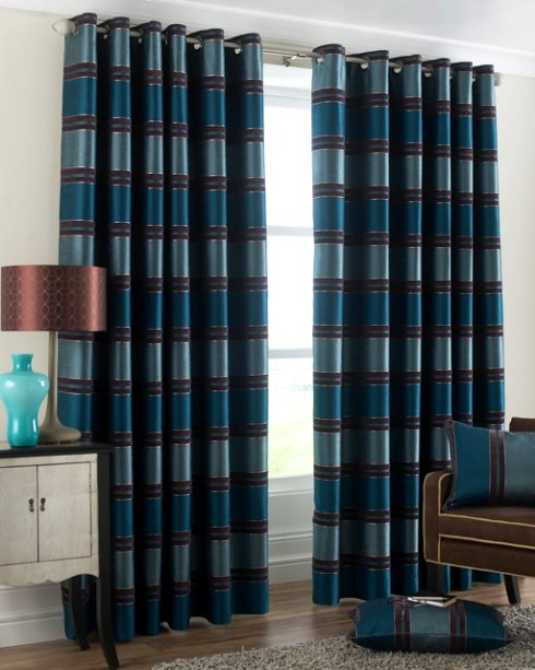 Pequeno doce lar cortinas for Cortinas para sala de estar