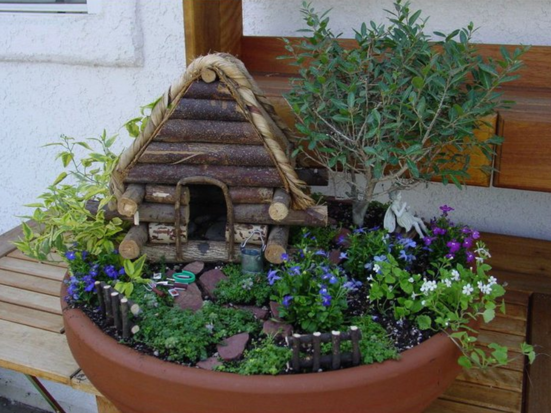 Garden path wanderings mini gardens Make your own toad house