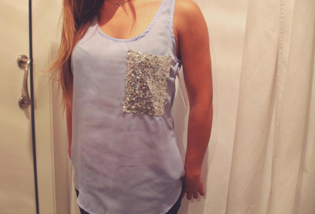 white&one,blusa,azul cielo,bolsillo lentejuelas,chic,juvenil