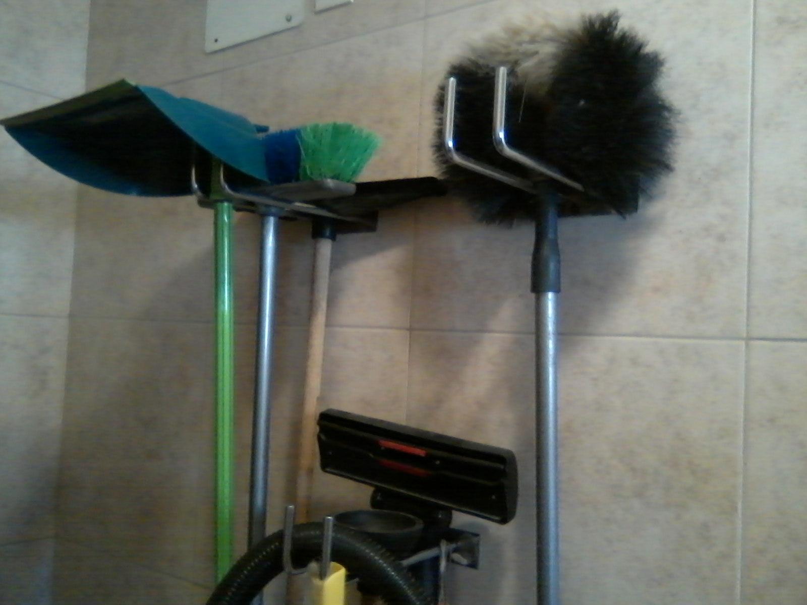 Utensilios Limpieza Baño:Estoy en casa: Un lugar para cada cosa, los utensillo de limpieza