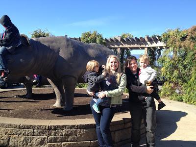 Cincinnati Zoo Statue