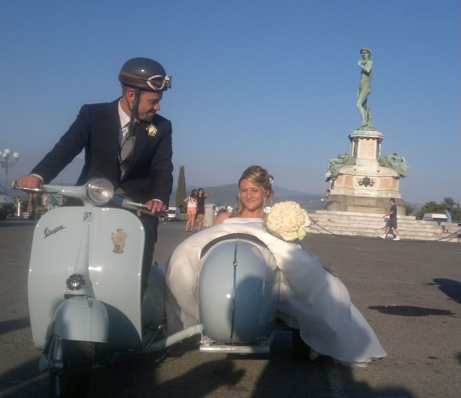 Matrimonio In Vespa : Vespe ghibelline matrimonio in vespa