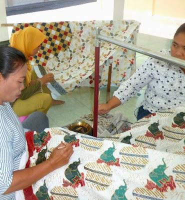Batik Tulis; Batik Cap; Batik semi tulis