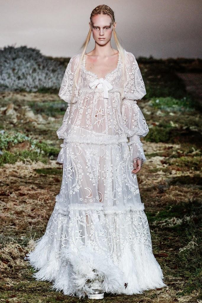 Alexander McQueen Paris Fashion Week Otoño Invierno 2014-2015 21