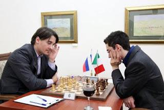 Échecs : ronde 2, Alexander Morozevich (2748) 1-0 Fabiano Caruana (2786) © Anastasiya Karlovich