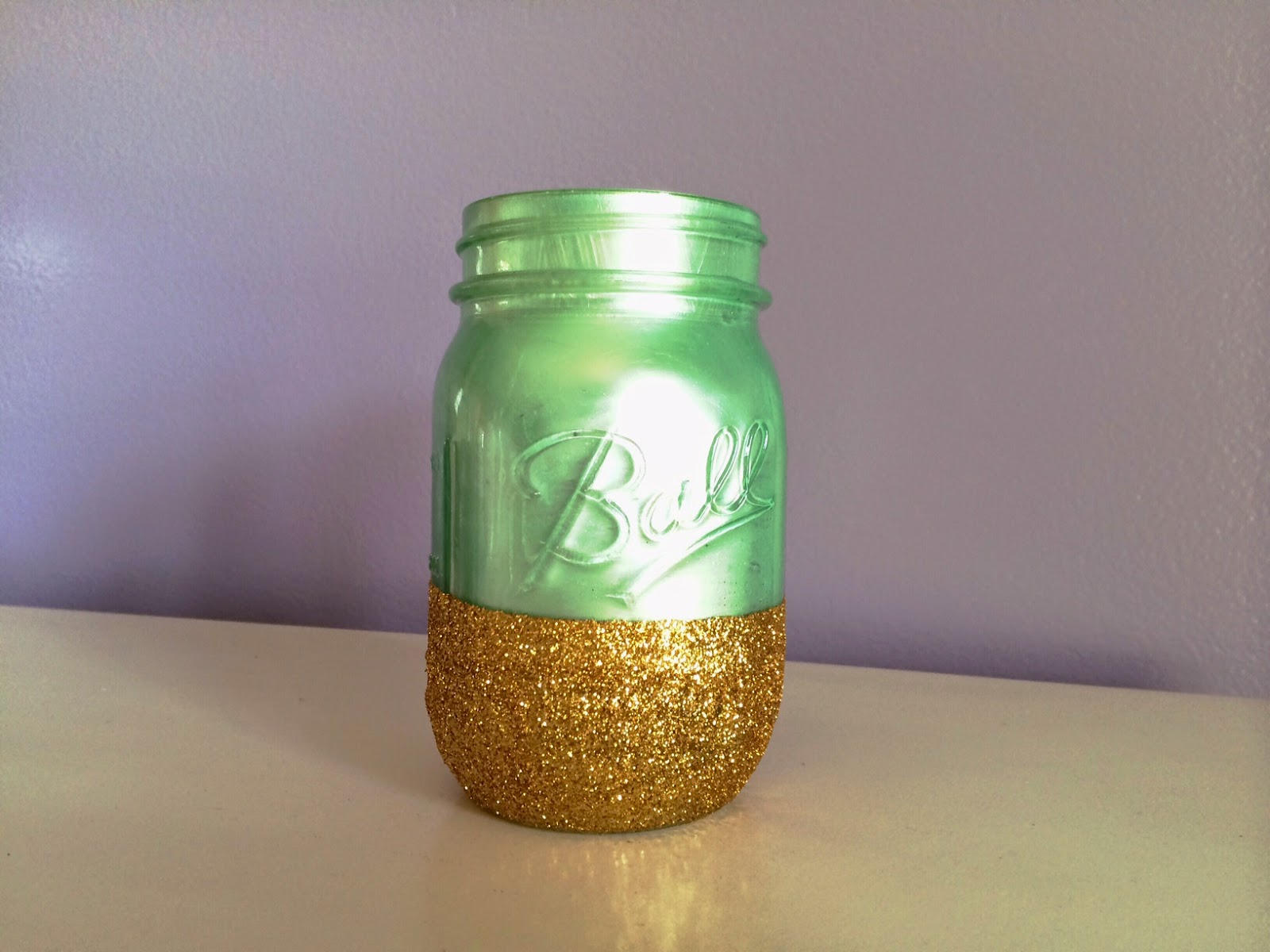 Do it yourself paint and glitter mason jar