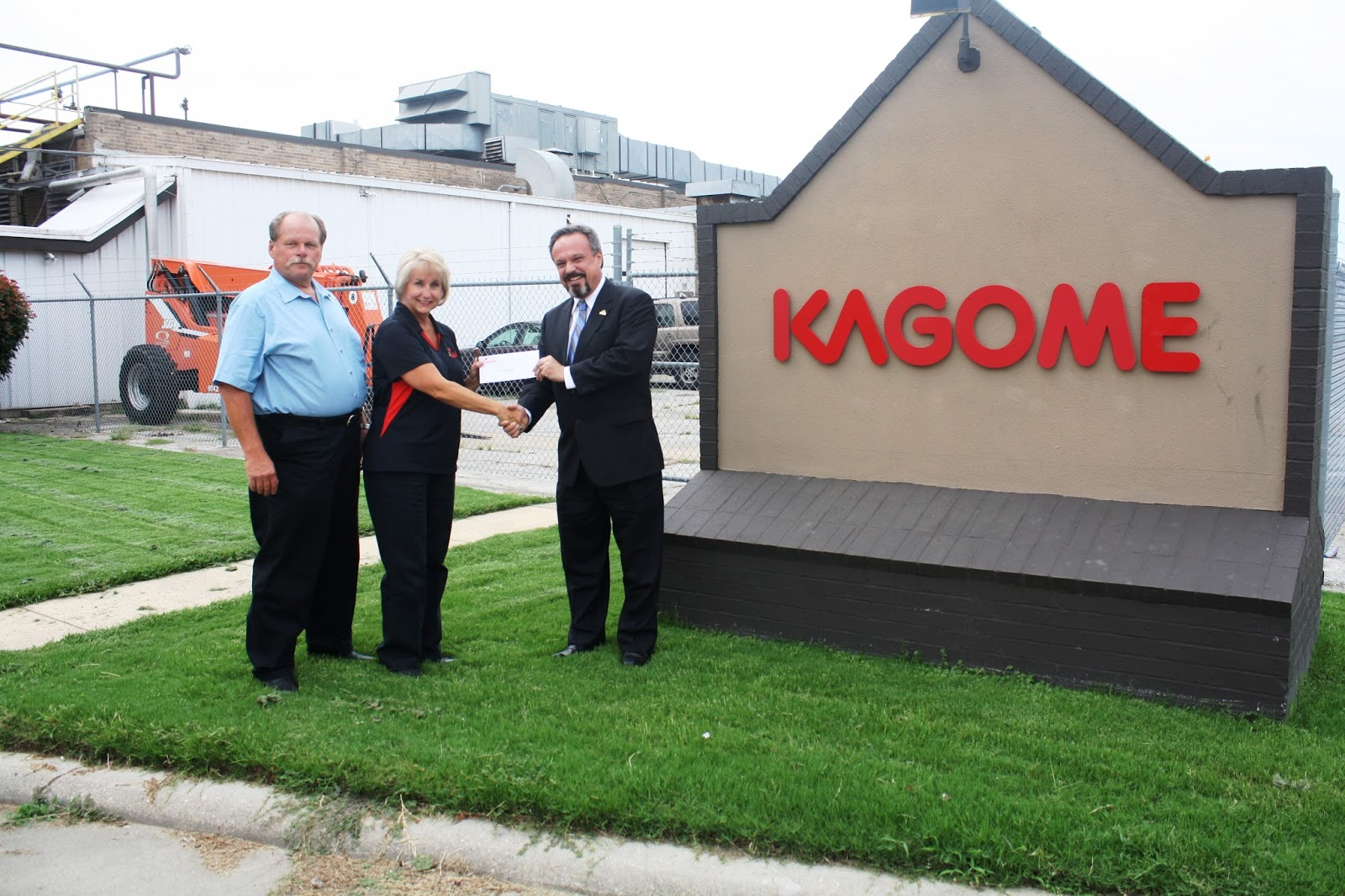 Osceolasouth mississippi county chamber of commerce news anc kagome creative foods in osceola donates 5000 to the newly reinstated work programa program designed to prepare under skilled unemployed residents for kristyandbryce Image collections