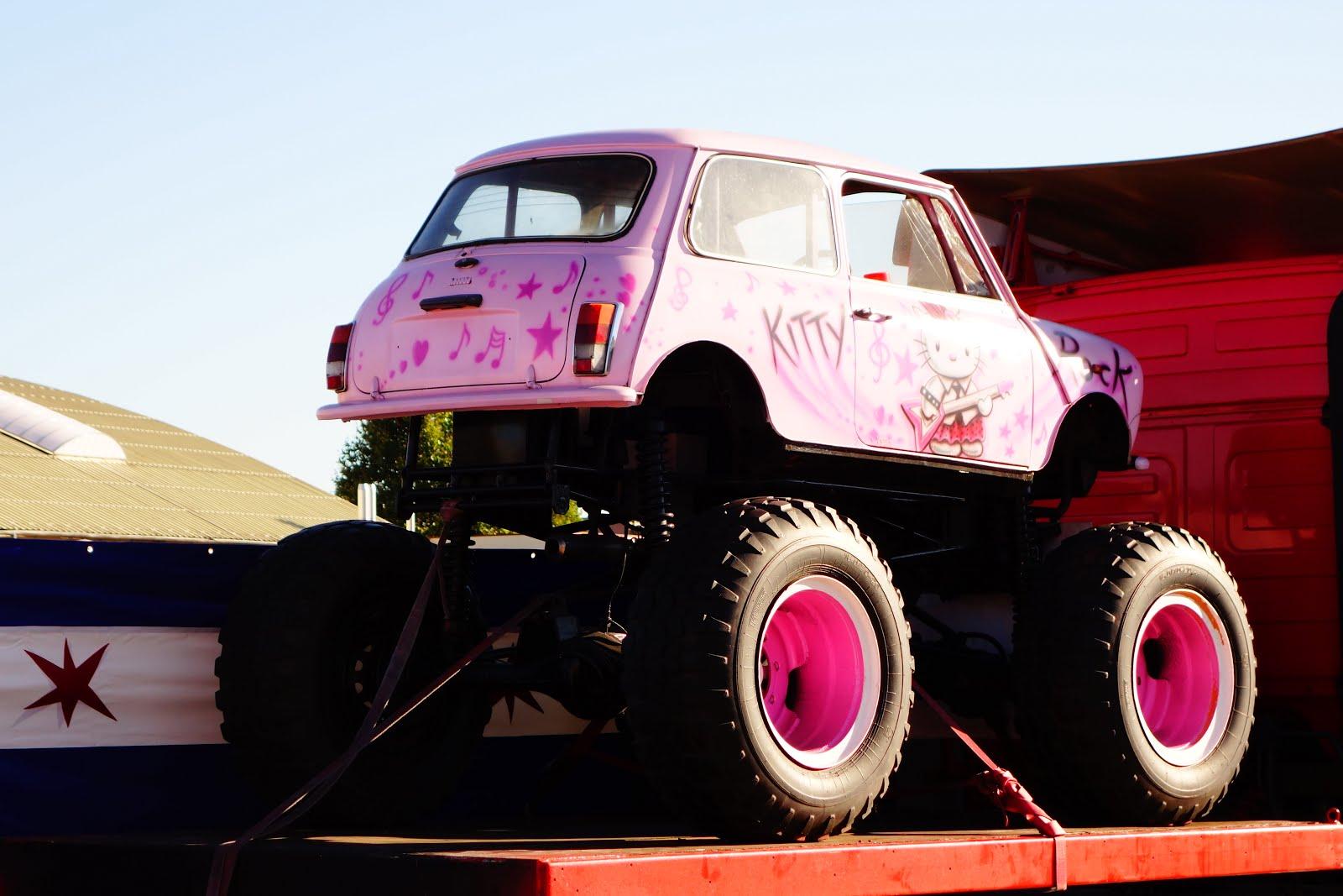 Mini Cooper 1959-2000 Monster Truck, France | SPOT A CAR