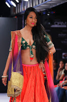 Kashmira shah blenders pride hot photos 2012-4