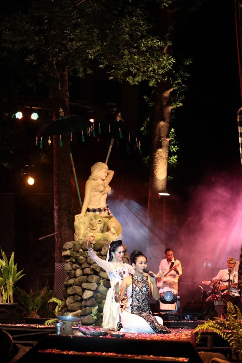 Agustus 2012 Wendra Wijaya Bendrat Ajaib Berdasarkan Pemahaman Tersebut Ayu Laksmi Menggagas Gerakan Seni Tradisi Kontemporer Yang Bertajuk Satukan Cinta Untuk Dunia