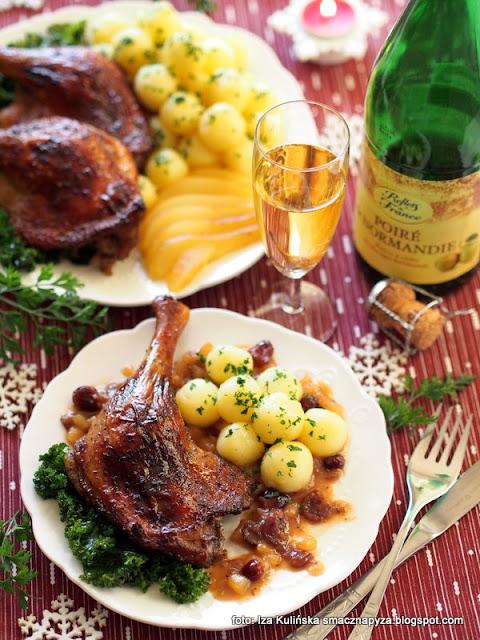 uda kaczki , kacze udka , z piekarnika , drób , kaczka pieczona , cydr , z cydrem , sos cydrowo gruszkowy , gruszki , żurawina , sos owocowy , kaczuszka , świąteczny obiad , boże narodzenie , święta , najlepsze przepisy , najsmaczniejsze dania ,  perry , napój gruszkowy , domowe jedzenie ,  jarmuż , reflets de france