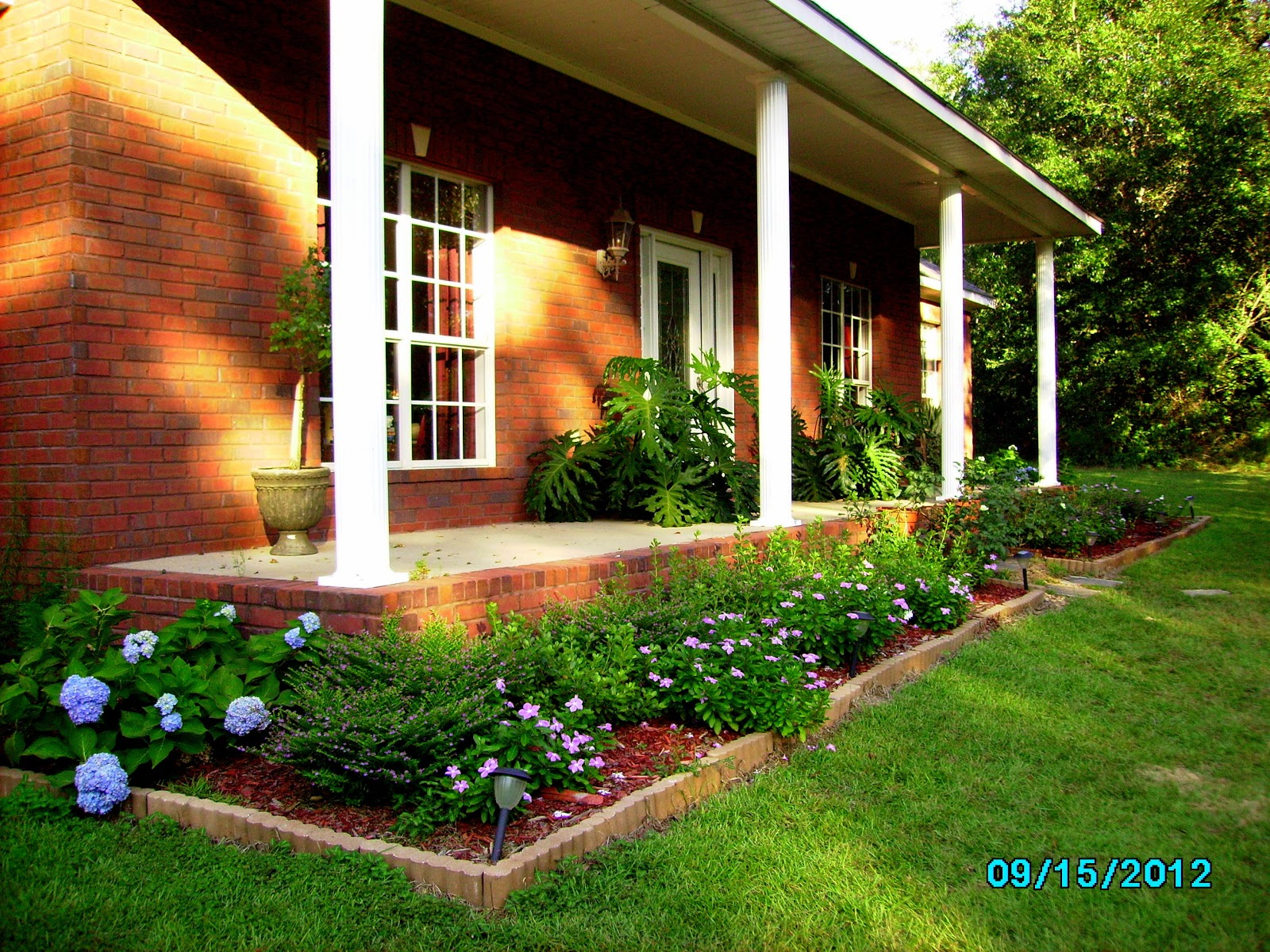 Front porch flower bed ideas for Mexican porch designs