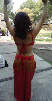 vestuario rojo espalda