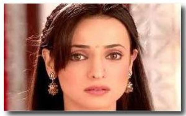 Sanaya Irani in The Ad of Slice Mangola