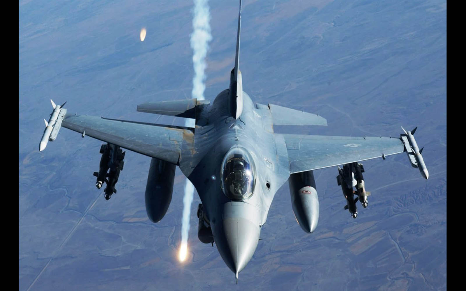 f 16 fighter jet wallpapers wallpapers screensavers