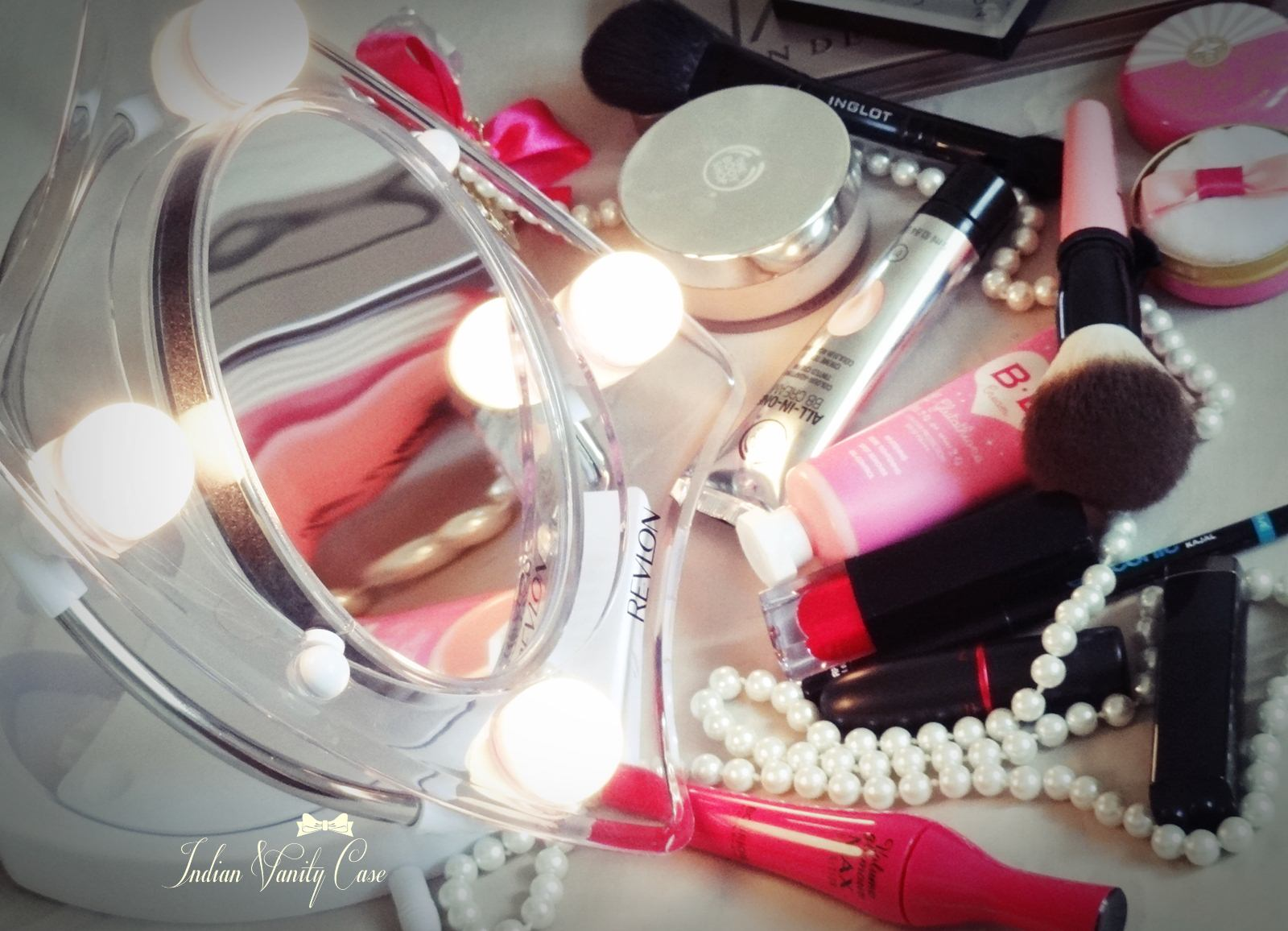 Indian Vanity Case: Revlon Hollywood Lighted Make-up Mirror ~ LOVE!