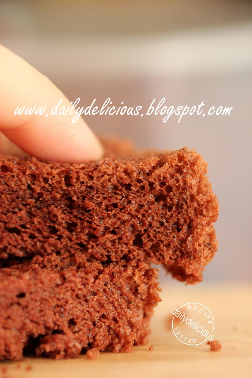 dailydelicious: Basic Chocolate Chiffon Cake
