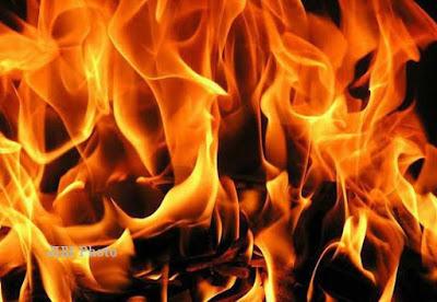 Puluhan Kios Terbakar di Pasar Angsoduo Jambi