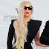 "Lady Gaga será presentadora en los ""Emmy Awards 2015"""