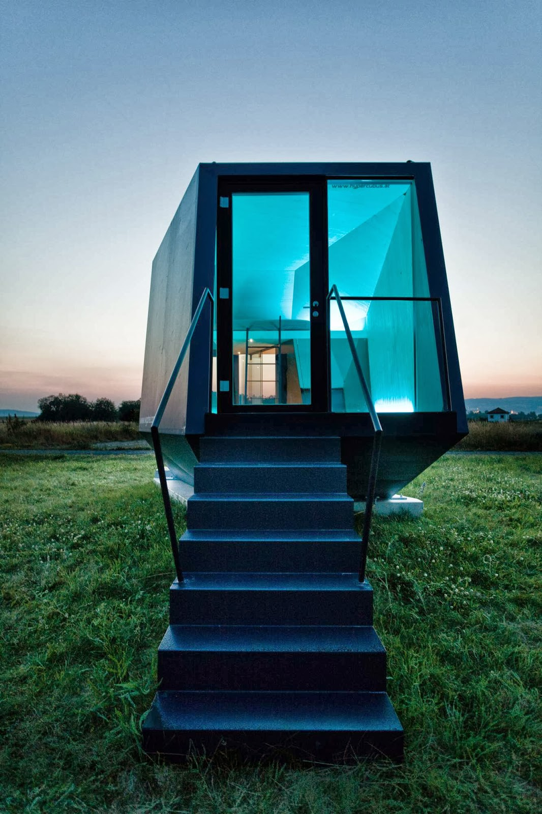 Transportable House, Hypercubus