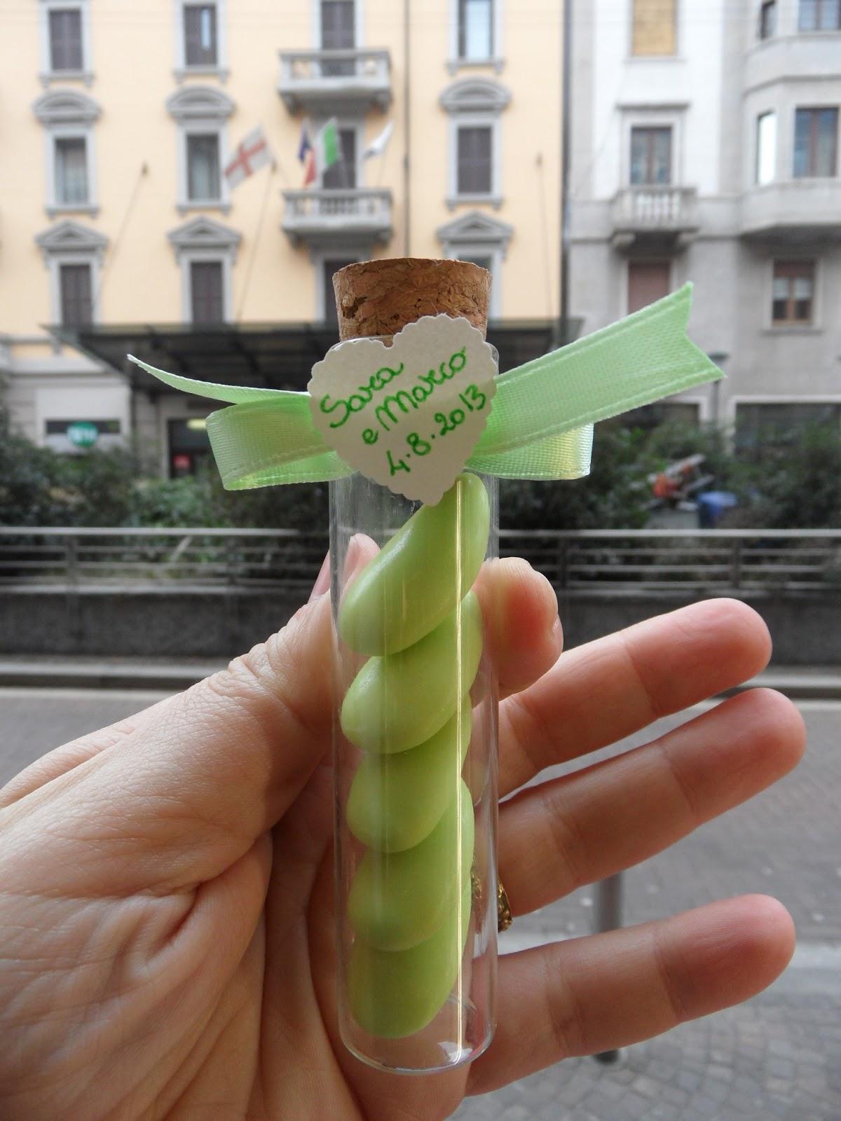 Bomboniere per amore bomboniera provetta in vetro con - Portagioie fai da te ...