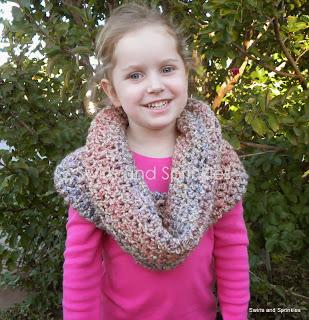Swirls and Sprinkles: Crochet cozy cowl pattern