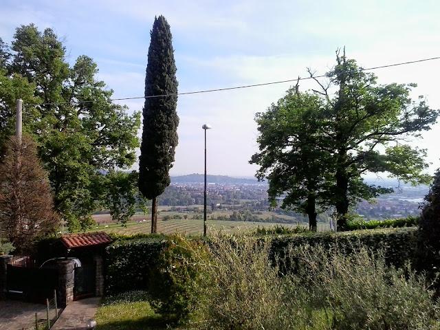 villa panoramica due appartamenti taverna giardino scanzorosciate Tribulina vendesi