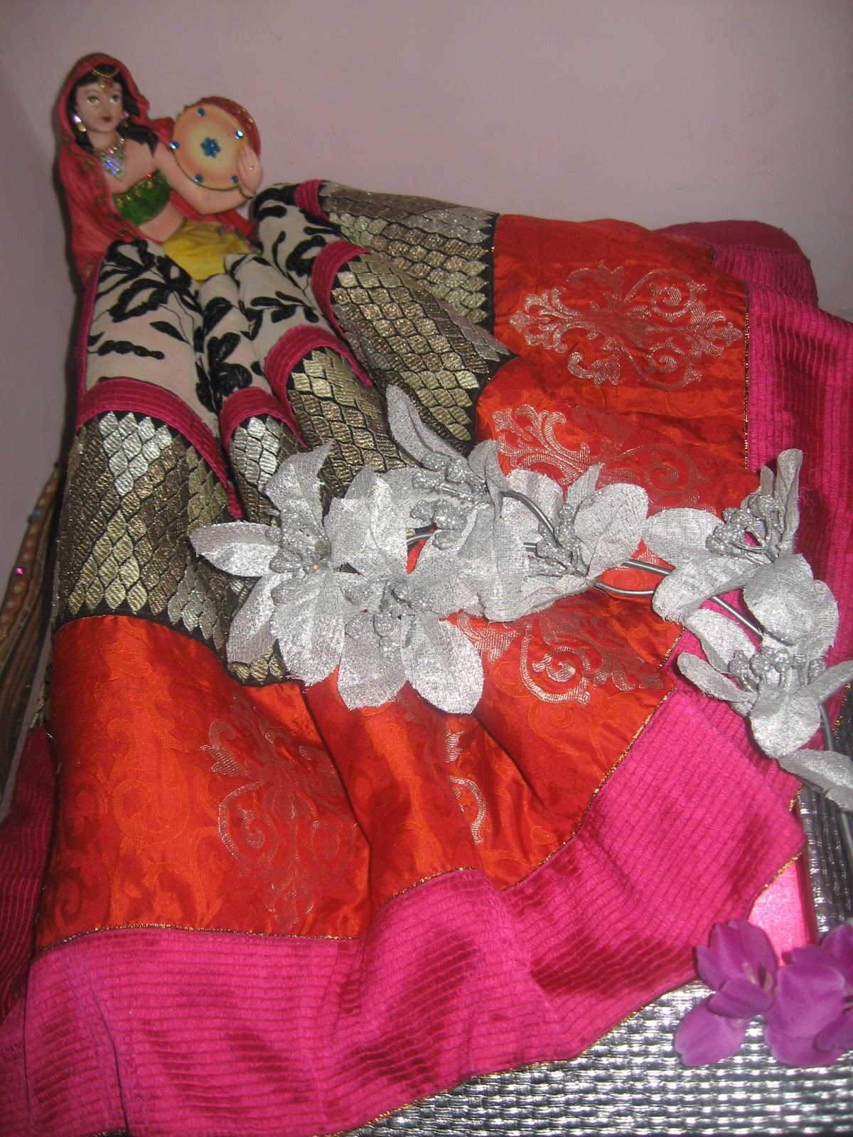 Gift Wrapping Saree Ideas Part - 48: Saree Packing On Rajasthani Theme