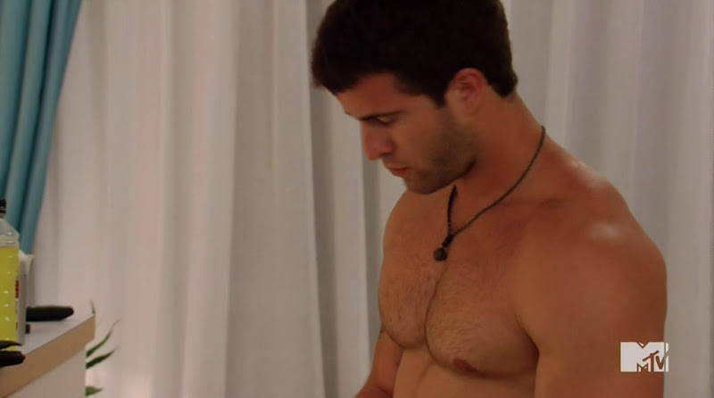 Trey Shirtless in The Real World St. Thomas s27e06