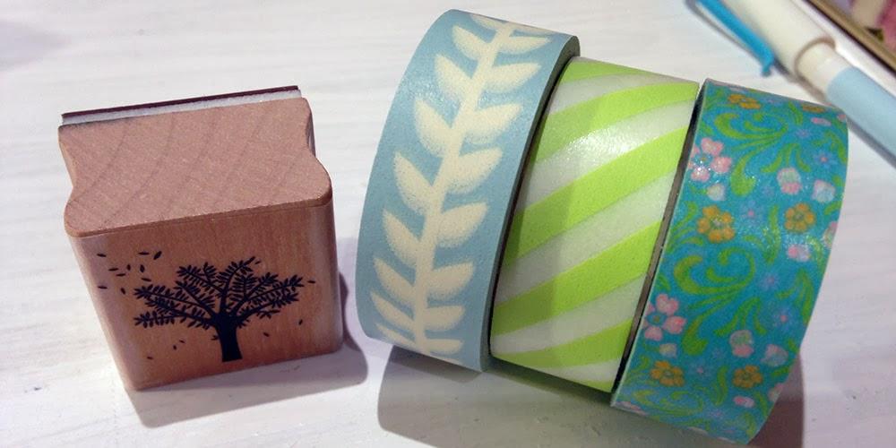 el resultado fue el que ves a continuacin uno de mis sellos preferidos y estos washi tapes el de flores de dailylike el slim azul liso de mt y el de