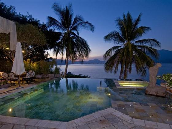 Beautiful Swimming Pools Around the World: Vacation House Swimming ...