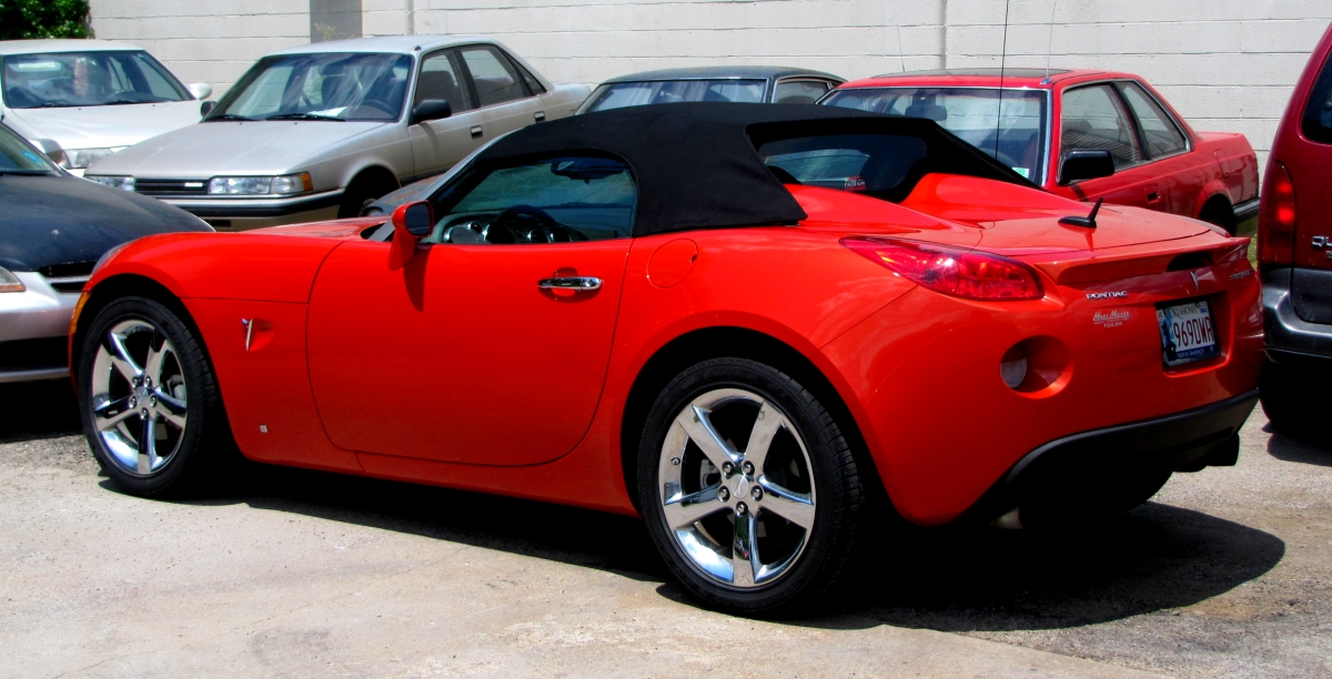 Ruby Tuesday   Pontiac Solstice. The Pontiac Solstice Is A 2 Seat Sports Car  ...