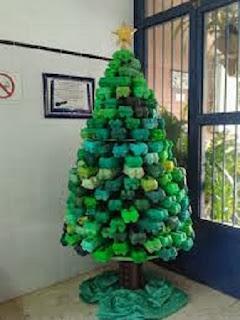 10 Ideas e Arboles de Navidad Reciclados con Cajas de Huevo