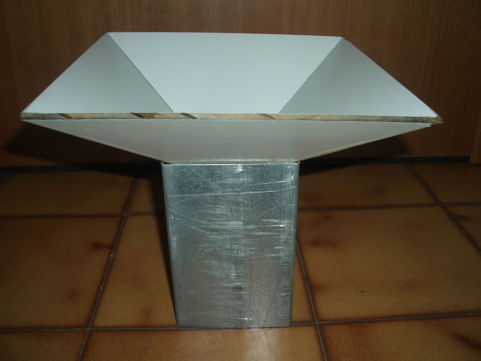 Lavelli angolari per cucina rustica - Costruire un tavolo in legno per esterno ...