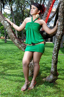 Sri Lankan upcoming model Maduwanthi Liyanage Hot Wallpapers