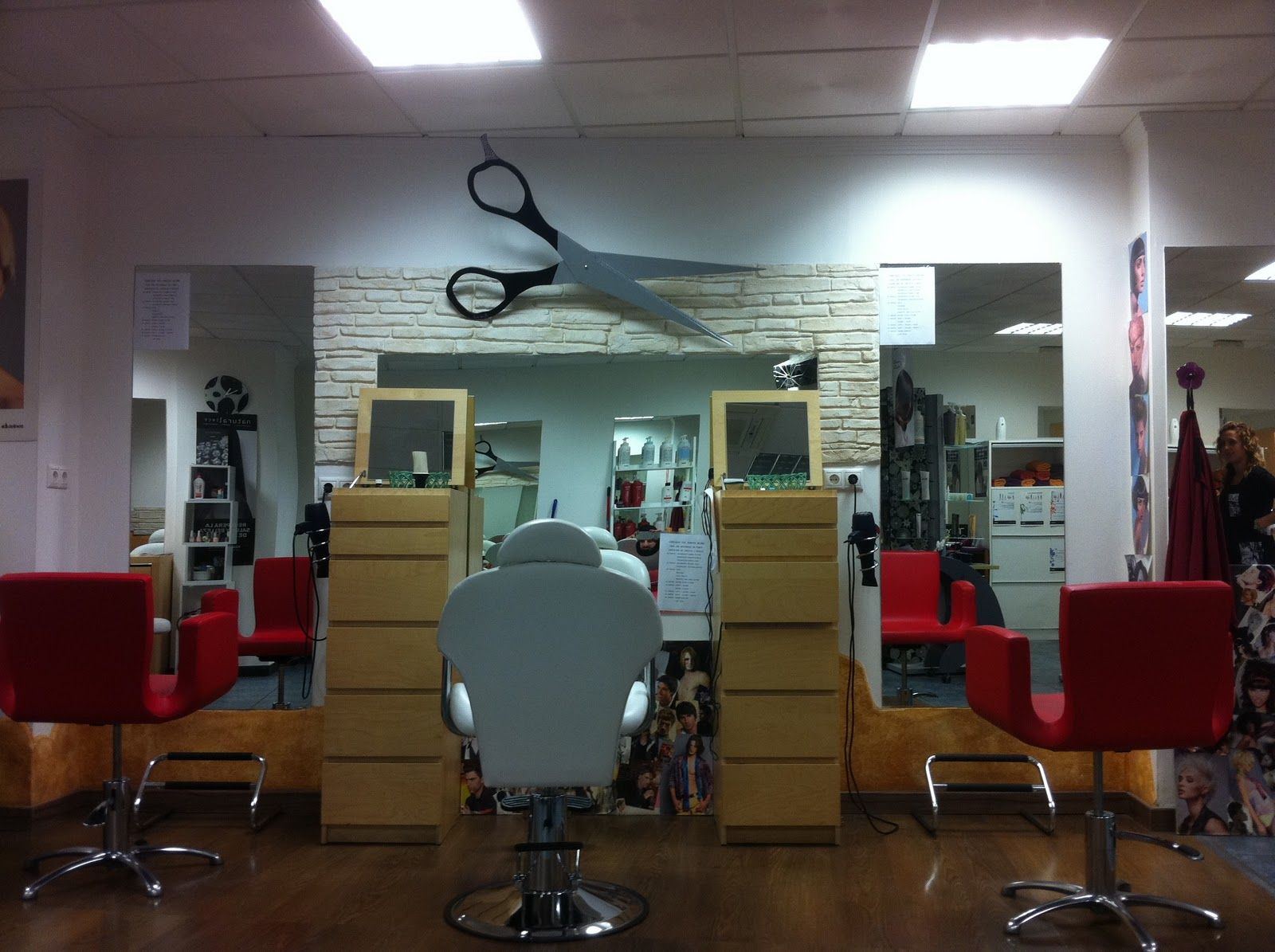 Garbatti creaciones tijeras para peluquer as o - Decoracion de peluqueria ...