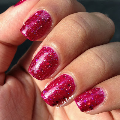NailaDay: Red holo glitter franken