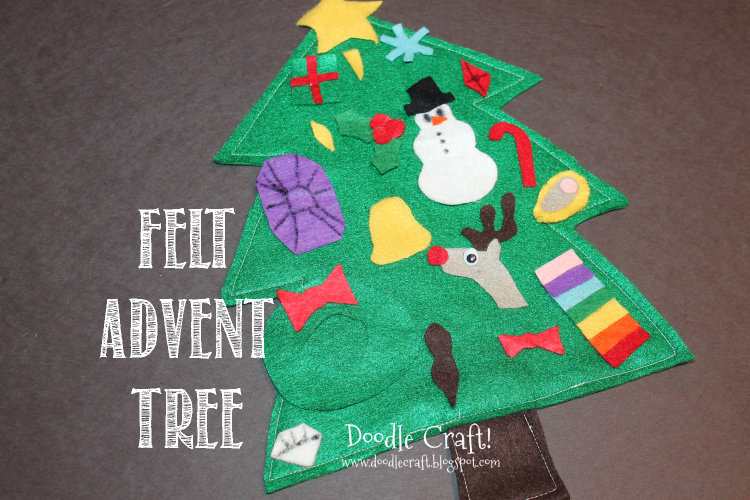 Doodle Craft...: Christmas in July: Felt Advent Calendar!