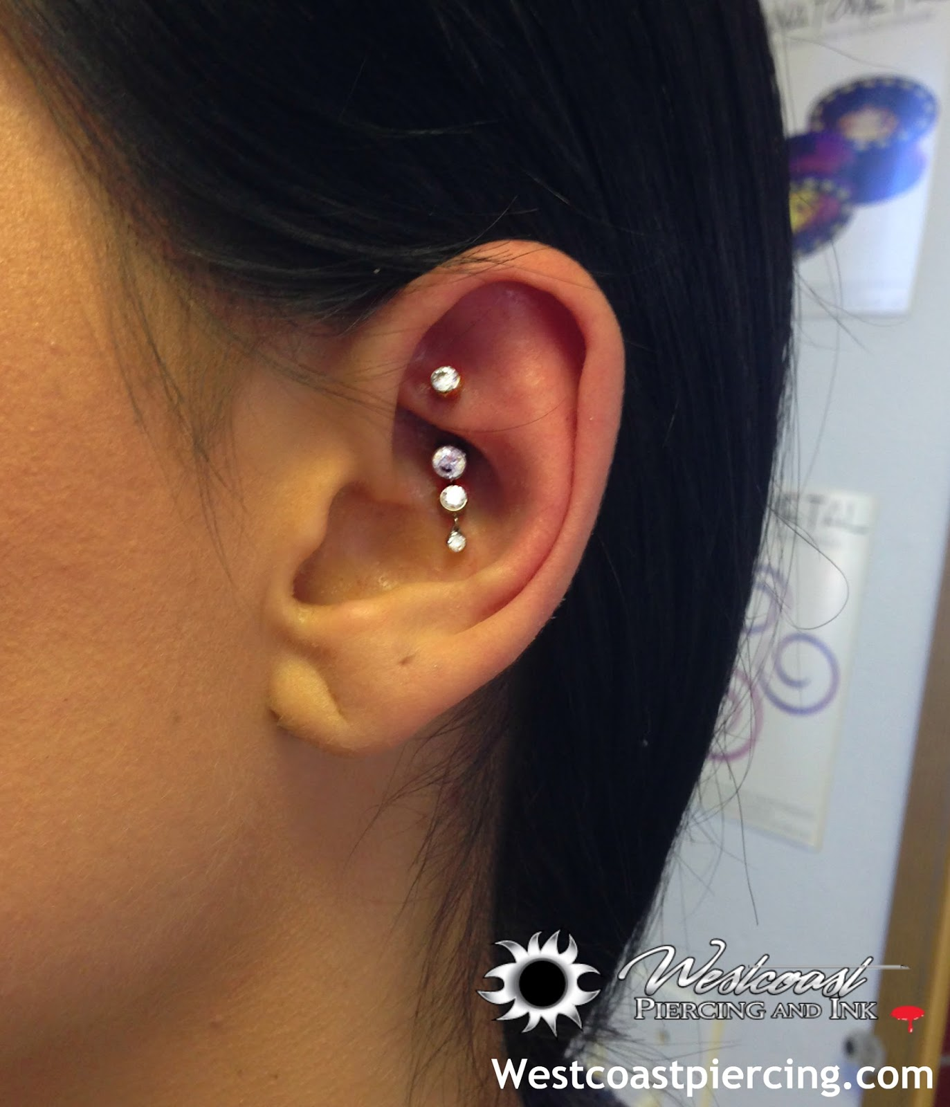 Westcoast Piercing And Ink Now that s one dazzling rook piercing