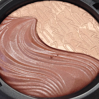 MAC Extra Dimension Skinfinishes -  Shape the Future