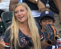 Miguel Cabrera tosses glove into stands