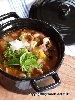http://salzkorn.blogspot.fr/2013/01/blogbuster-minestrone-nach-jamie-oliver.html