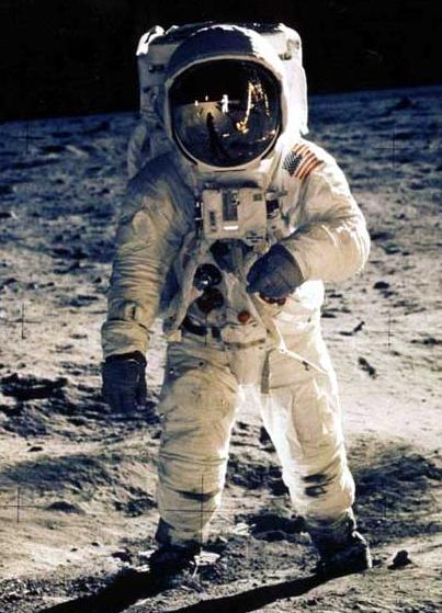 Astonot-tentang astronot
